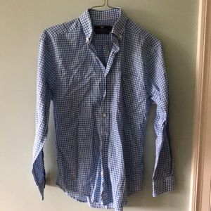 Vineyard Vines button down size MENS SMALL